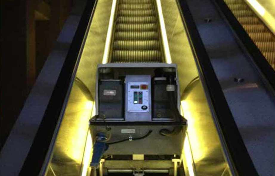 Escalator Cleaning Equipment for Commercial Cleaning